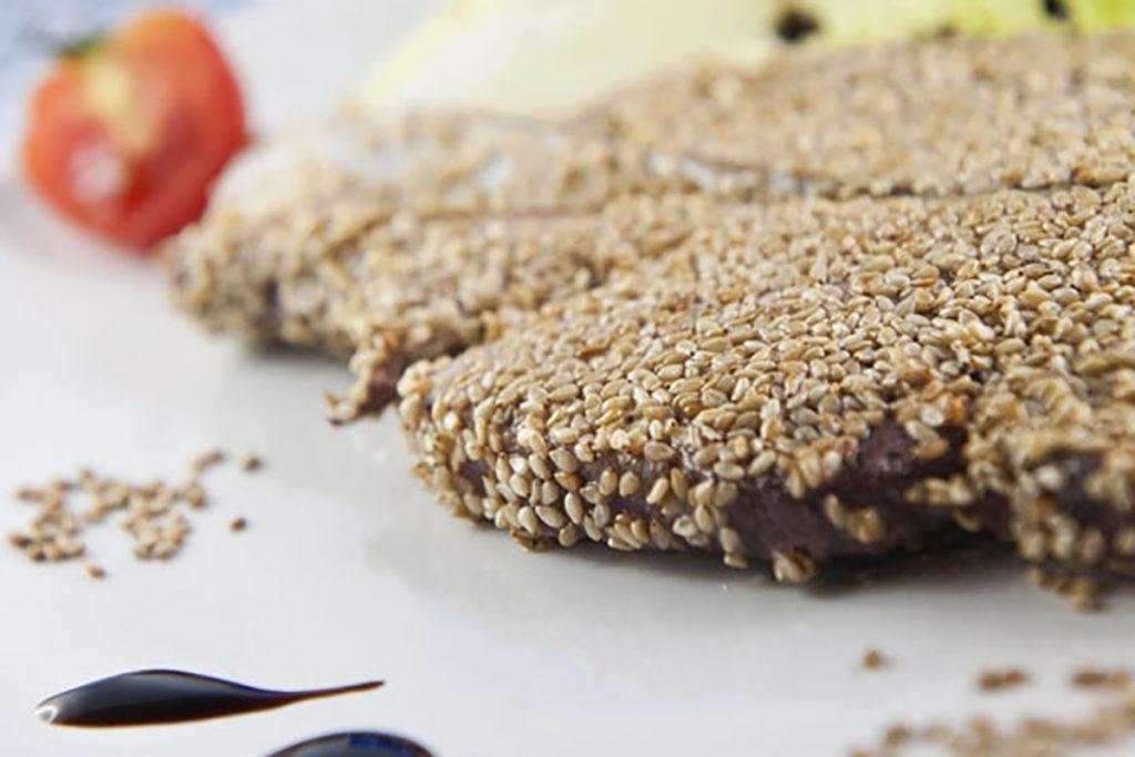 ricette di pesce trancio di tonno in crosta di sesamo