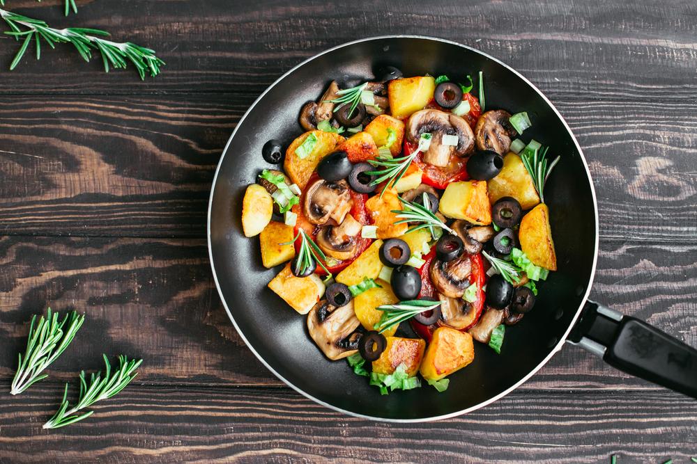 cucinare senza grassi: padelle antiaderenti