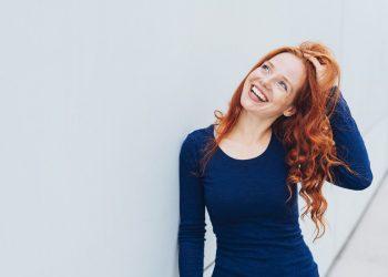 Henné: tutti i benefici per i capelli, come sceglierlo e come applicarlo