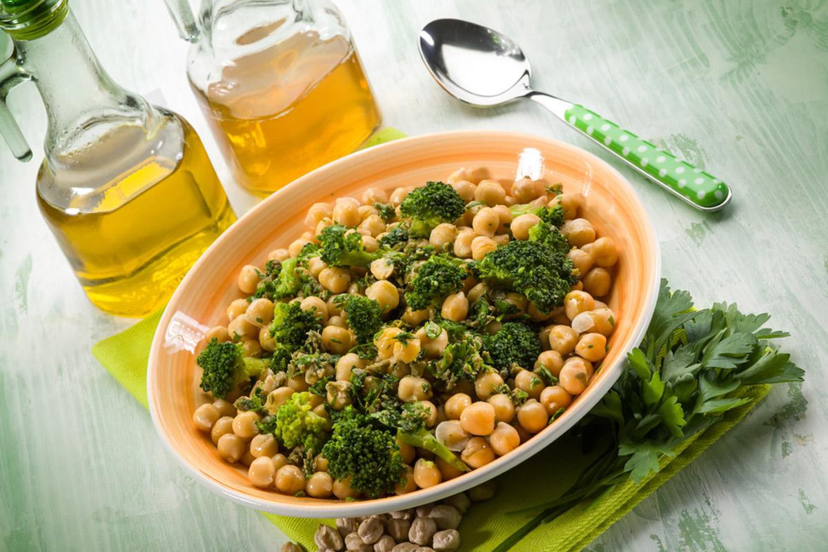 ceci e broccoli con paprika ricetta
