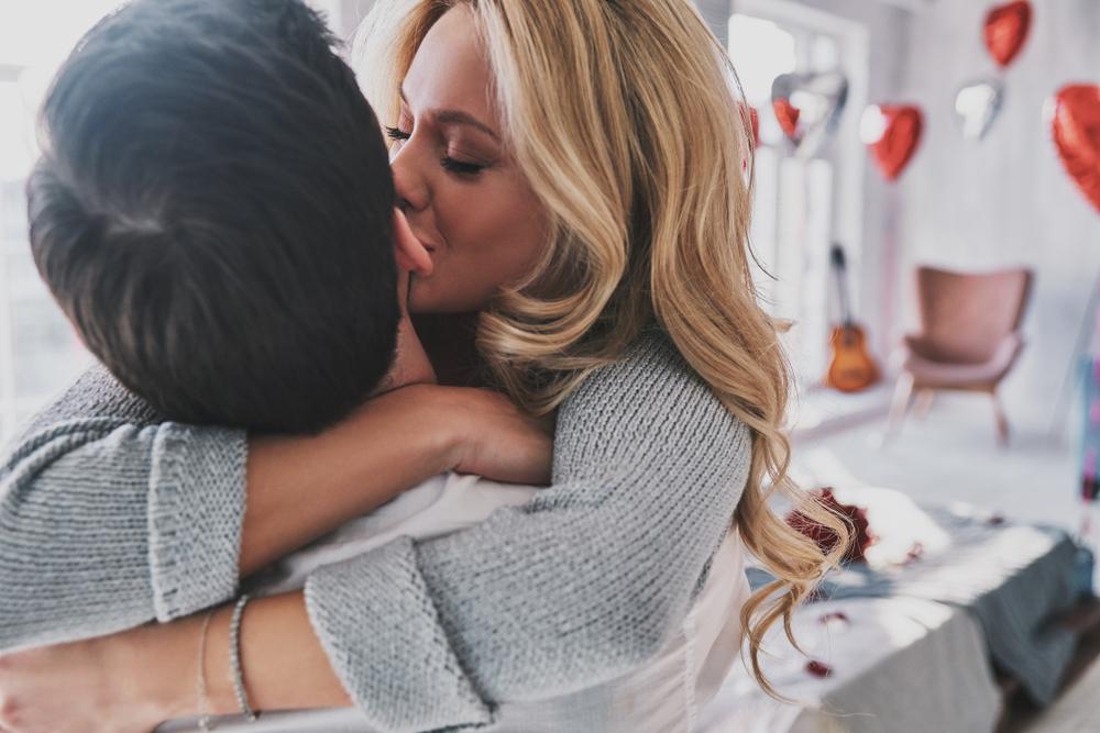 kamasutra: le diverse tecniche del bacio