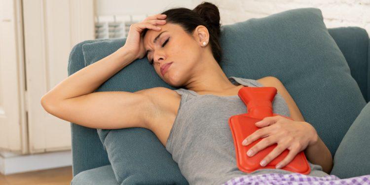 sindrome premestruale cos'è sintomi cure