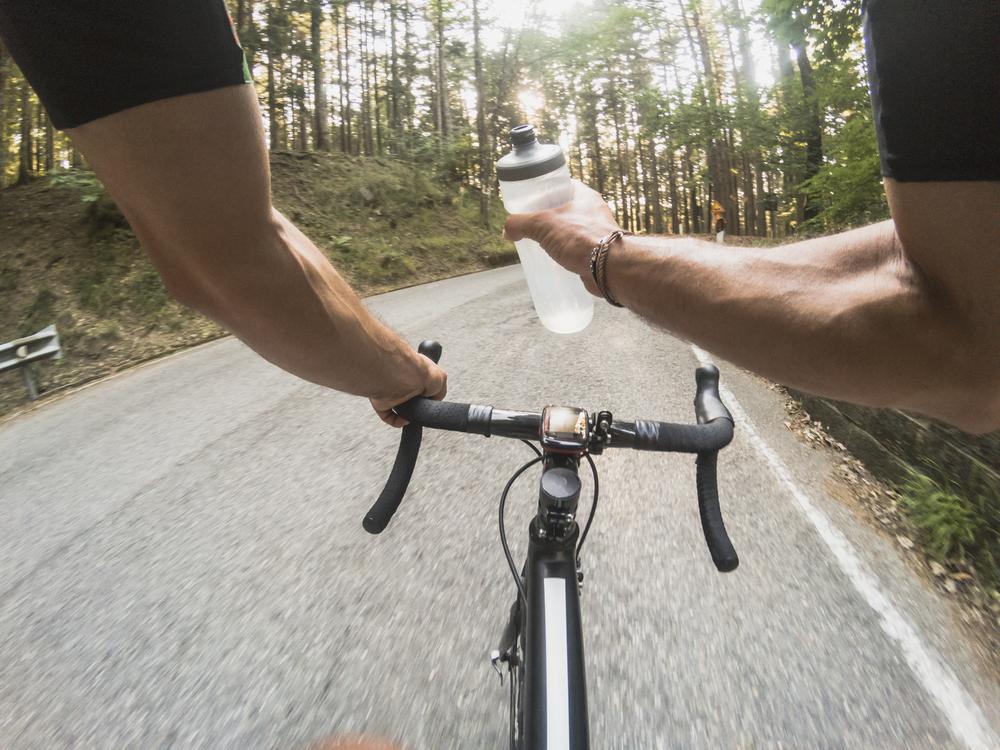 viaggi in bici: cosa mangiare prima, durante e dopo l'allenamento