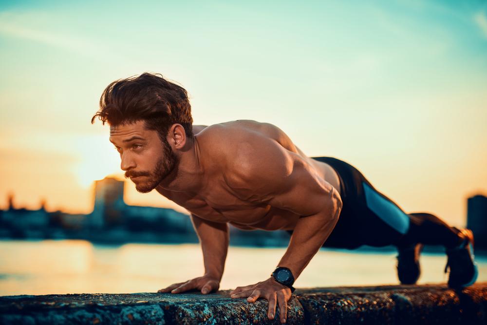 allenamento a corpo libero: programma e esercizi