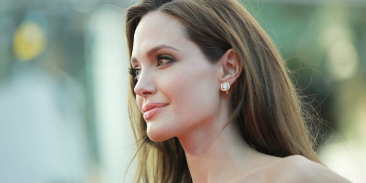 Angelina Jolie, mastectomia preventiva