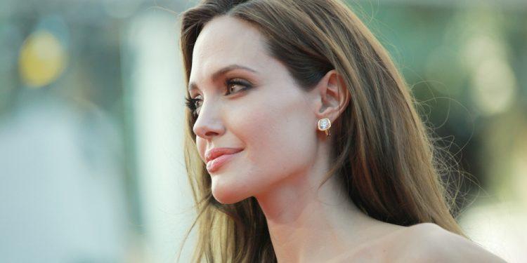 Angelina Jolie, mastectomia preventiva