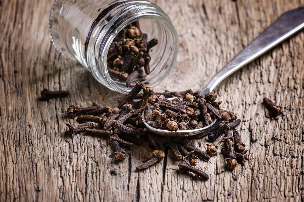 antinfiammatori naturali: chiodi di garofano