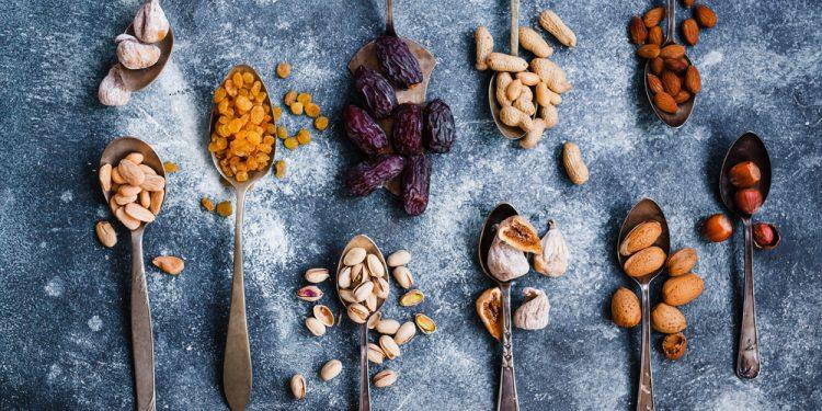 cibi ricchi di triptofano: frutta secca