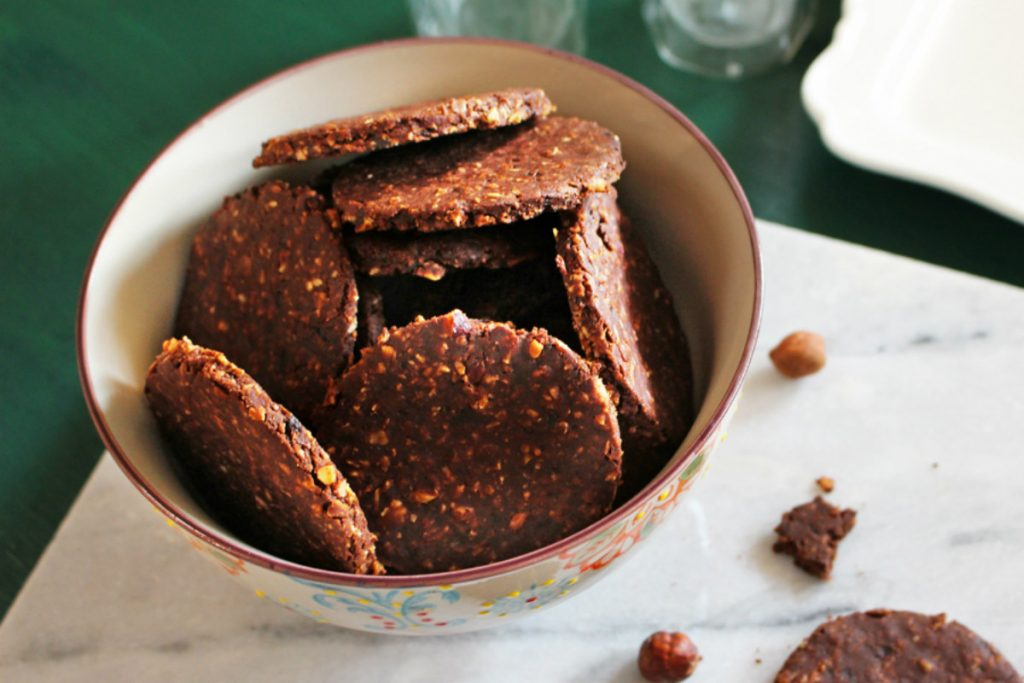 ricette con nocciole, biscotti ai fiocchi d'avena e nocciole