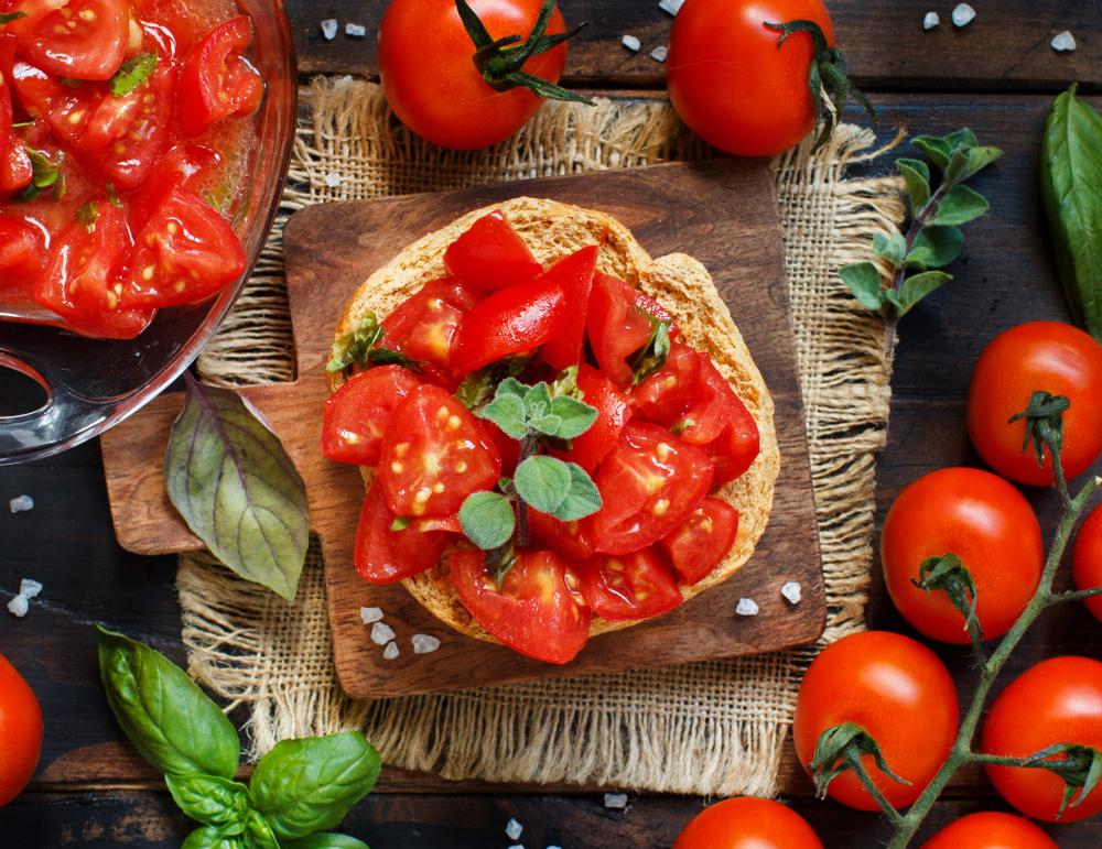 ricette con pomodori, le friselle