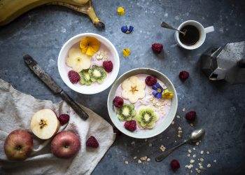 smoothie bowl yogurt greco frutta avena