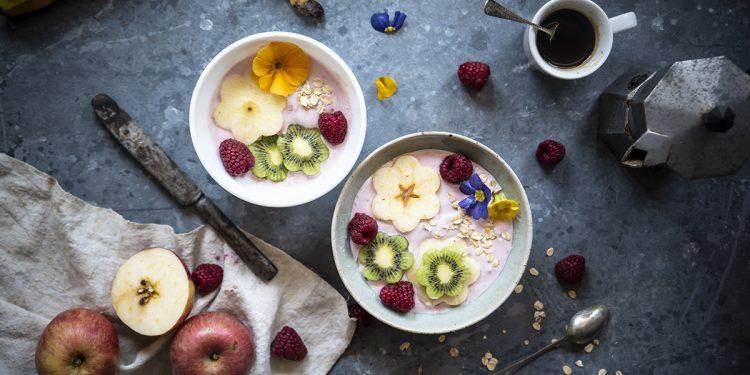 smoothie bowl yogurt greco frutta avena