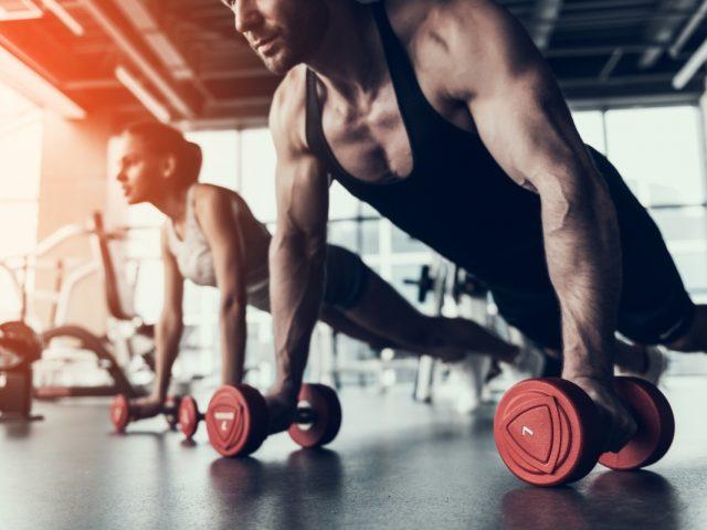 attività fisica in casa uomo quando investire criptovaluta