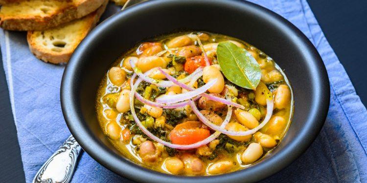 cavolo: valori nutrizionali, varietà, benefici e usi in cucina e in bellezza