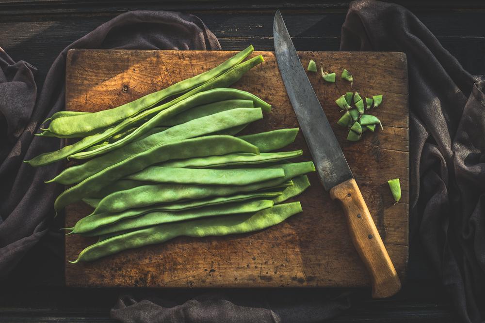 Fagiolini, ma anche tegoline, fagioli mangiatutto o cornetti. Vengono chiamati con tanti nomignoli dettati dalle tradizioni popolari regionali, ma sono sempre loro: i teneri legumi, di cui si mangia tutto il baccello, vero toccasana per l'organismo Melarossa.it #dietamelarossa