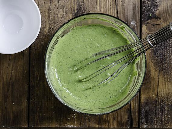Il pancake agli spinaci che ti proponiamo in questa ricetta è una versione salata di quelli tradizionali. Melarossa.it #dietamelarossa