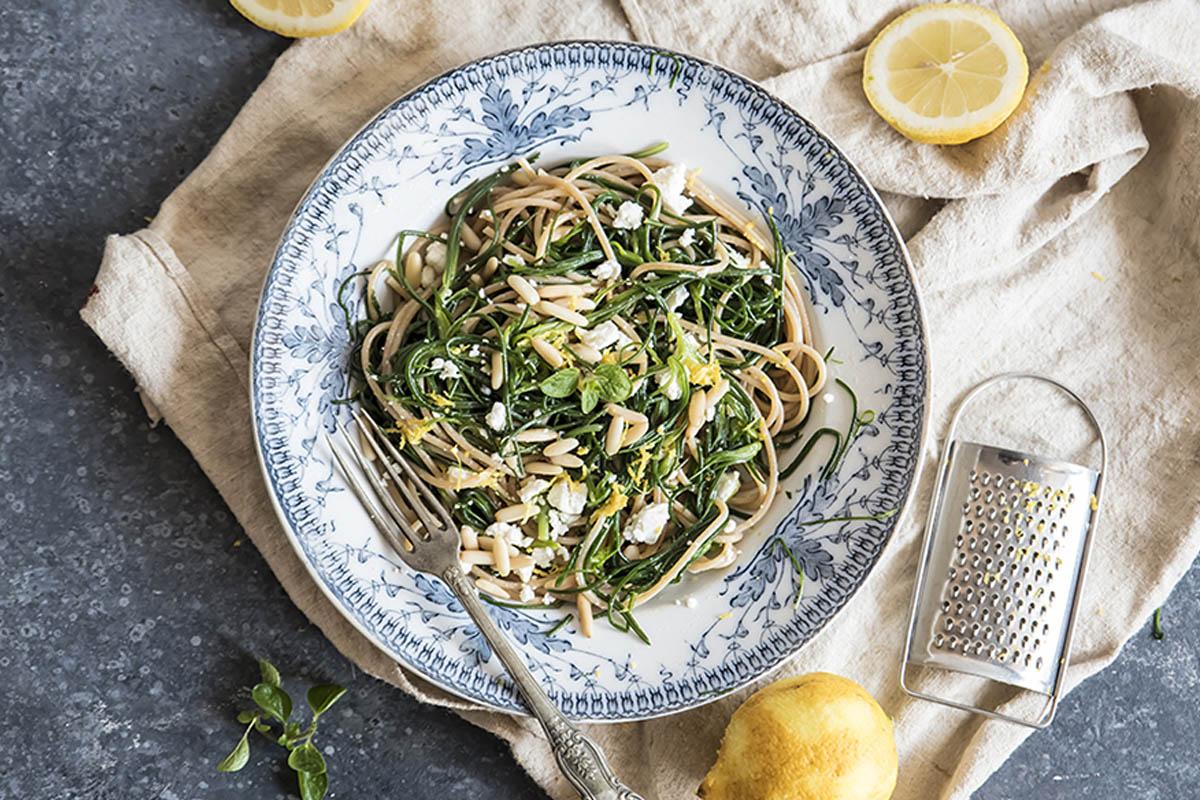 ricette con agretti spaghetti agretti feta limone pinoli