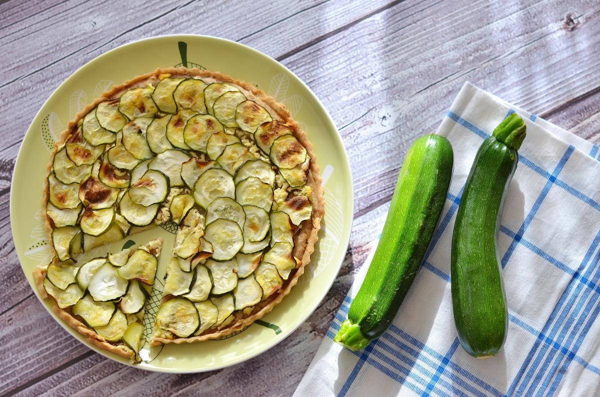 ricette con zucchine, torta rustica con zucchine
