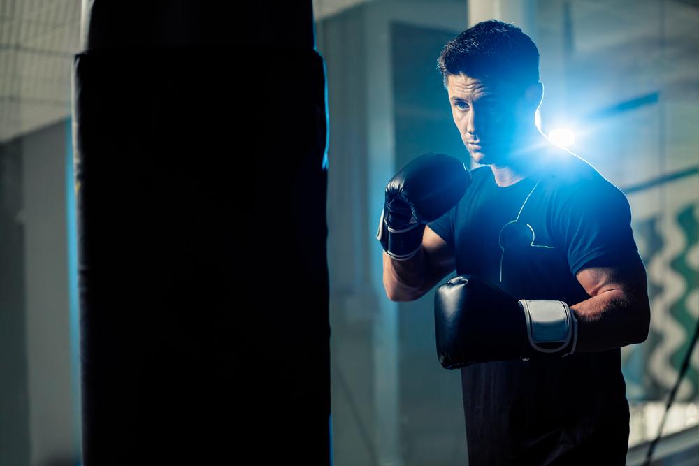 sacco da boxe: allenamento per uomini e donne