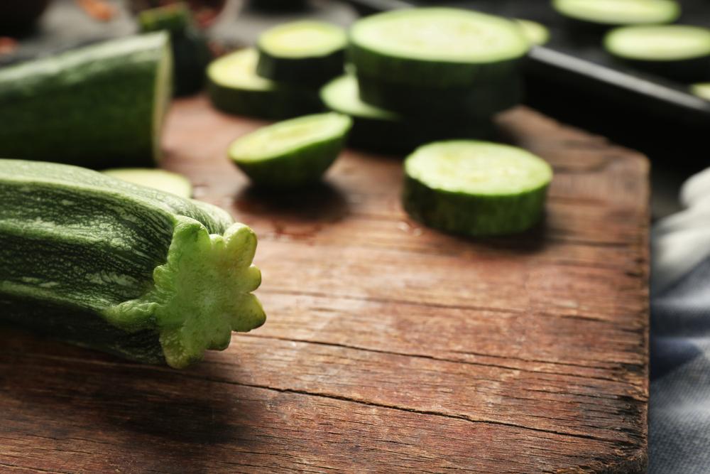 Insieme al pomodoro, la zucchina è uno degli ortaggi più diffusi e più consumati in Italia - Melarossa.it #dietamelarossa #zucchina #ricette