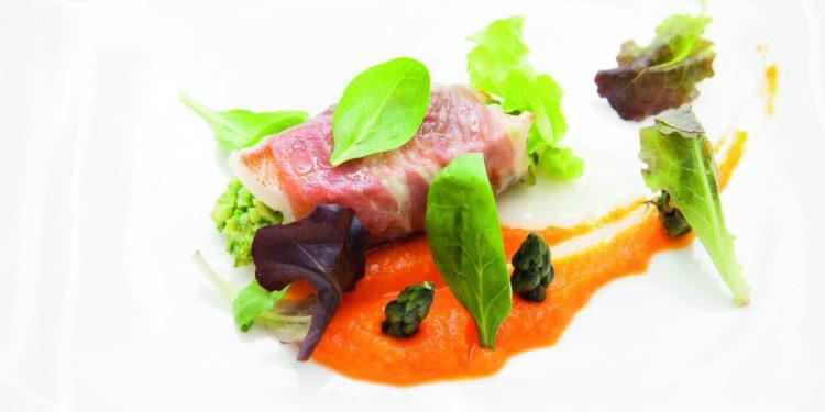 Sandwich di triglia, prosciutto, zucca e asparagi