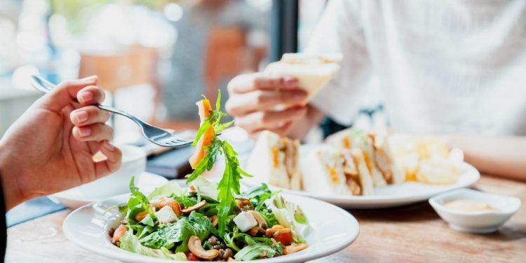 perchè è importante rispettare gli orari dei pasti