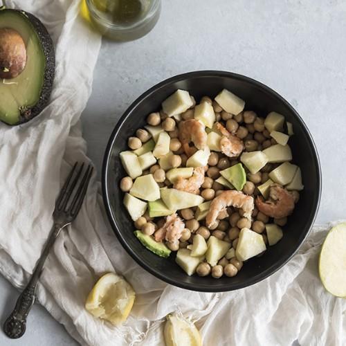 ricetta insalata avocado ceci gamberi mela verde