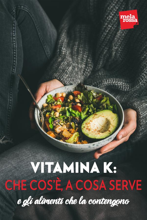 """La vitamina K (dal tedesco """"Koagulation"""") è una vitamina liposolubile presente in molti alimenti: attualmente è al centro di interessanti studi nonostante pochi la conoscano. Sembra certo però che questa vitamina svolga funzioni importanti oltre ad agire, come già noto, nel processo di coagulazione del sangue. Melarossa.it #dietamelarossa"""