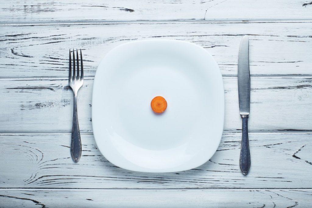 Come riconoscere un disturbo dell'alimentazione: campanelli d'allarme