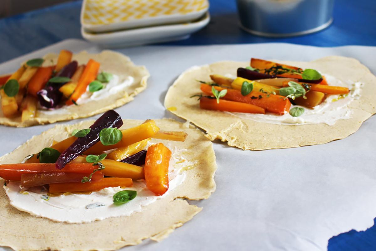 ricette con uova omelette con caprino e carote al timo