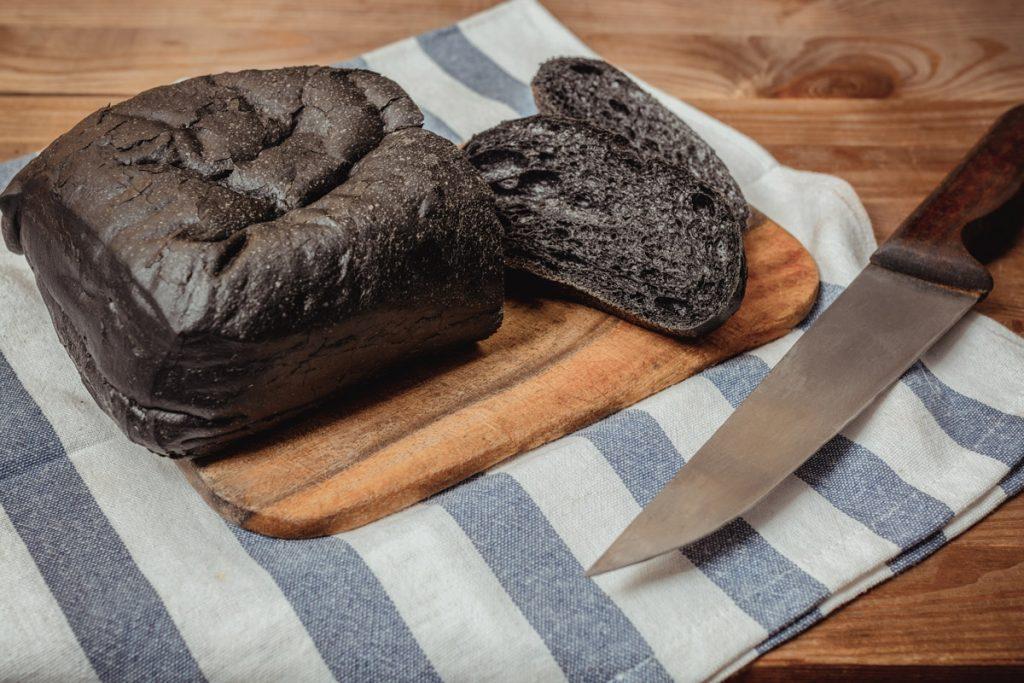 carbone vegetale pane