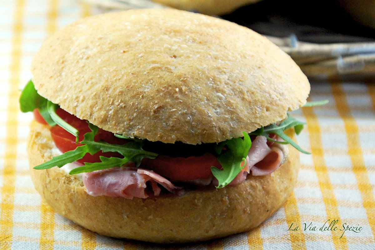 pane fatto in casa, panini integrali
