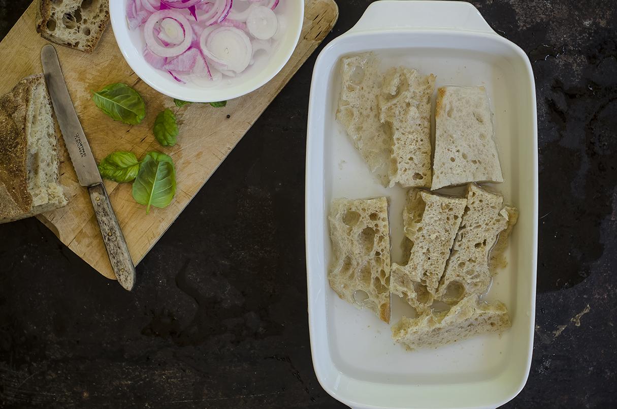panzanella verdure pane bagnato