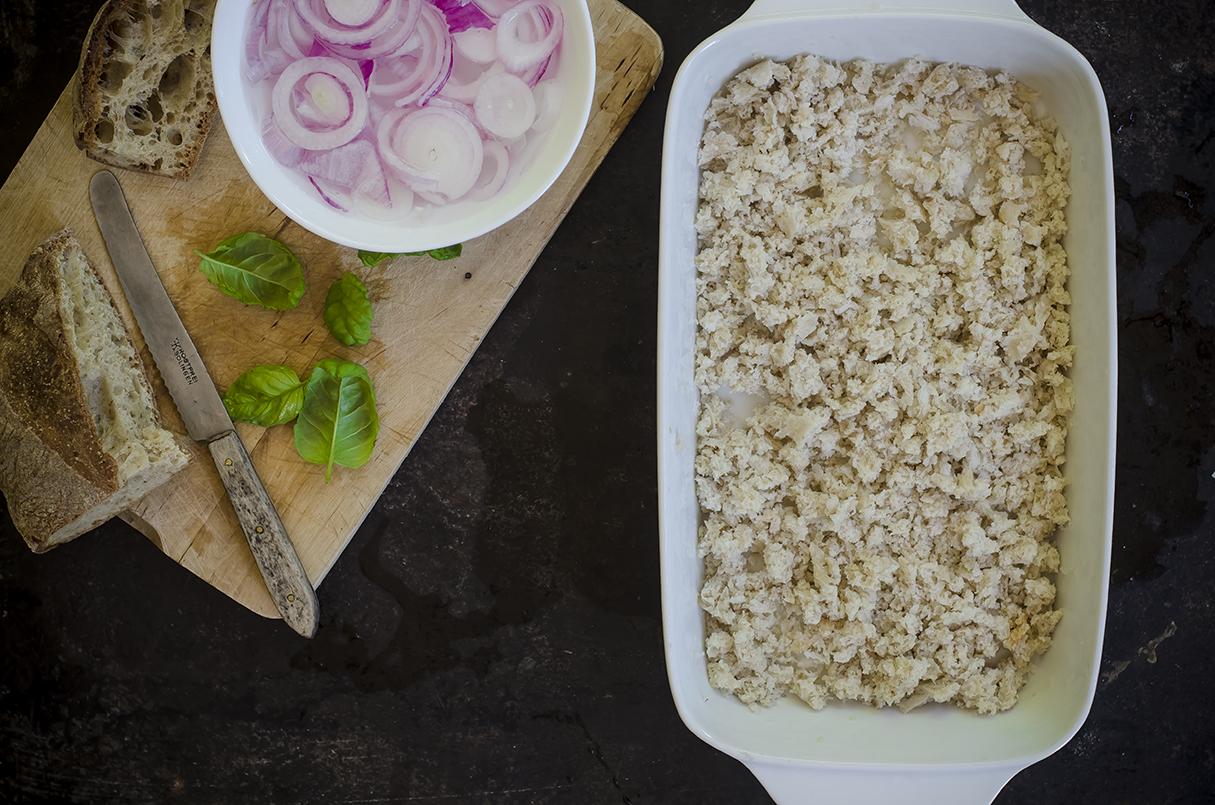 panzanella verdure pane briciole