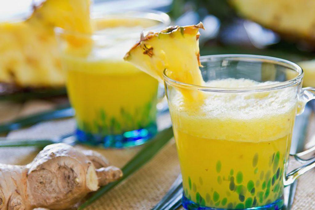 ricette con ananas: smoothie di ananas e zenzero fresco
