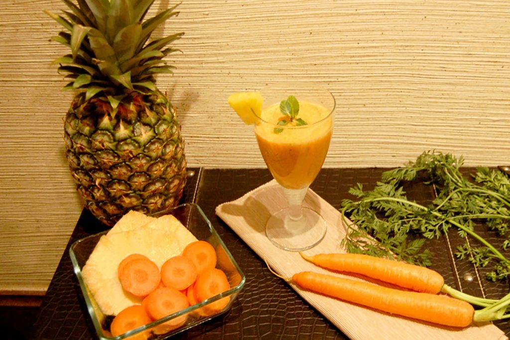 ricette con ananas: Smoothie contro i bruciori di stomaco