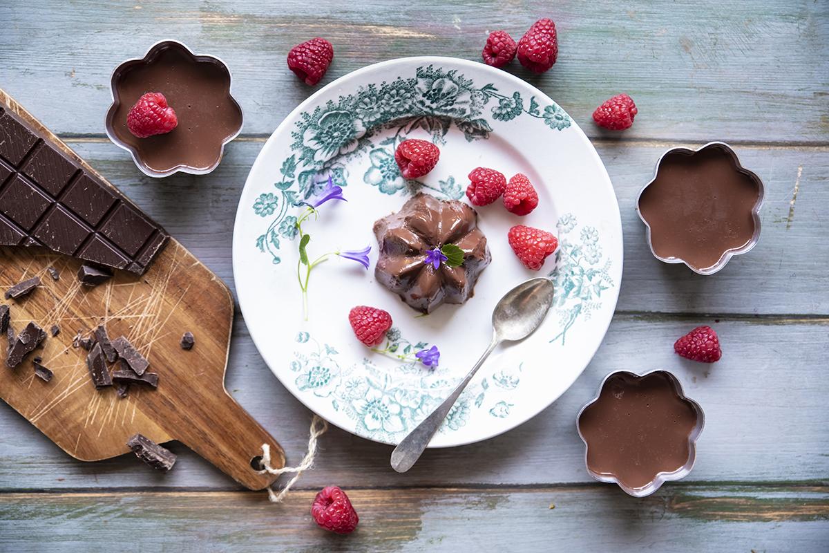 budino al cioccolato impiattamento