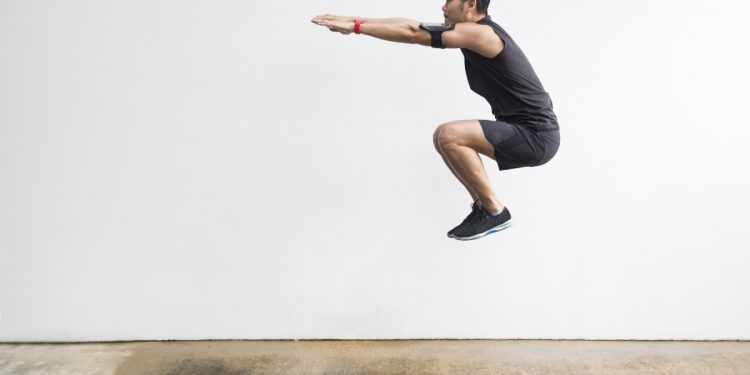 burpees: cosa sono, come farli, tutorial e workout