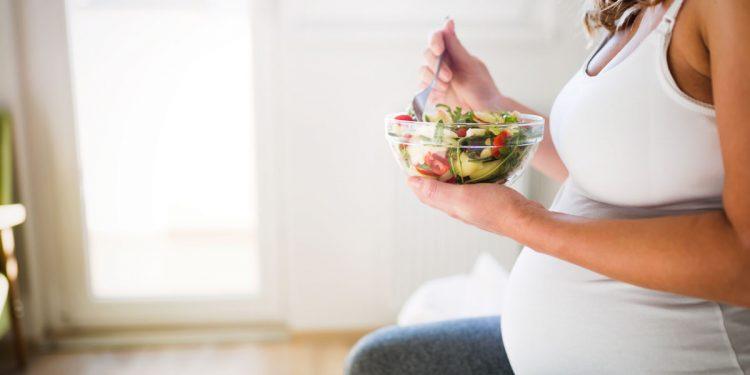 dieta in gravidanza: consigli, cibi e nutrienti utili per mamma e bambino
