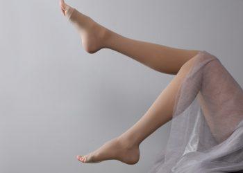 gambe gonfie: cause, rimedi e quando consultare