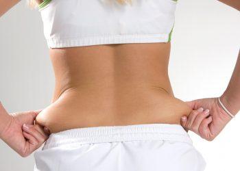 i migliori esercizi per smaltire i rotolini sulla schiena