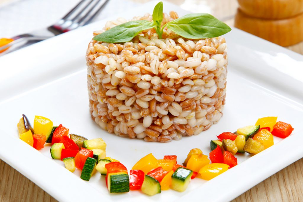 ricette con farro farro con zucchine e pomodori essiccati