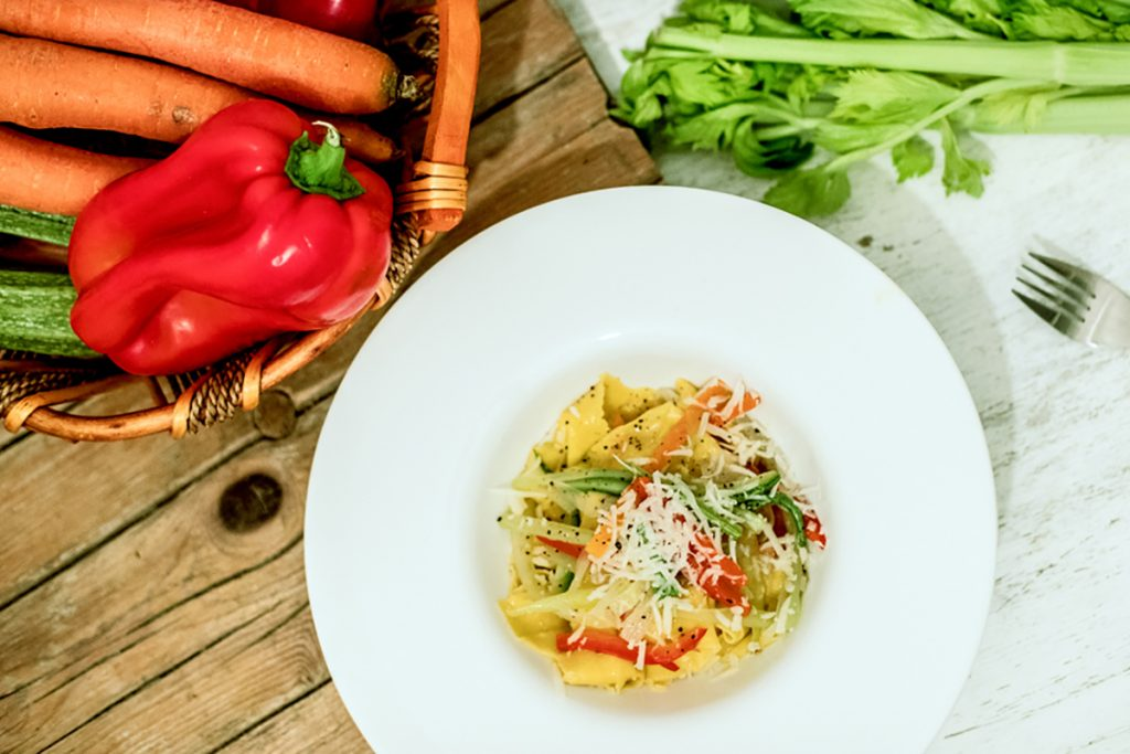 ricette con grano saraceno pappardelle di grano saraceno senza glutine con verdure e Pecorino romano