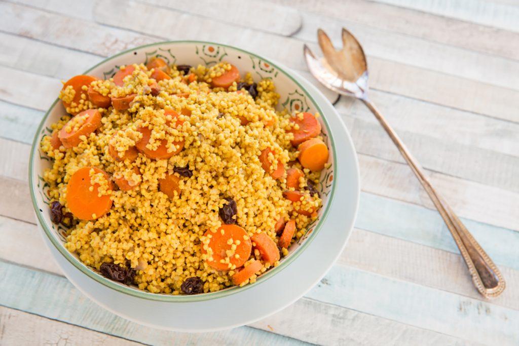 ricette con miglio miglio saltato con carote pinoli e olive
