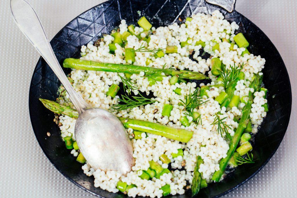 ricette con orzo orzo agli asparagi
