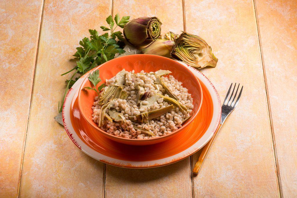 ricette con orzo minestra d'orzo perlato e carciofi