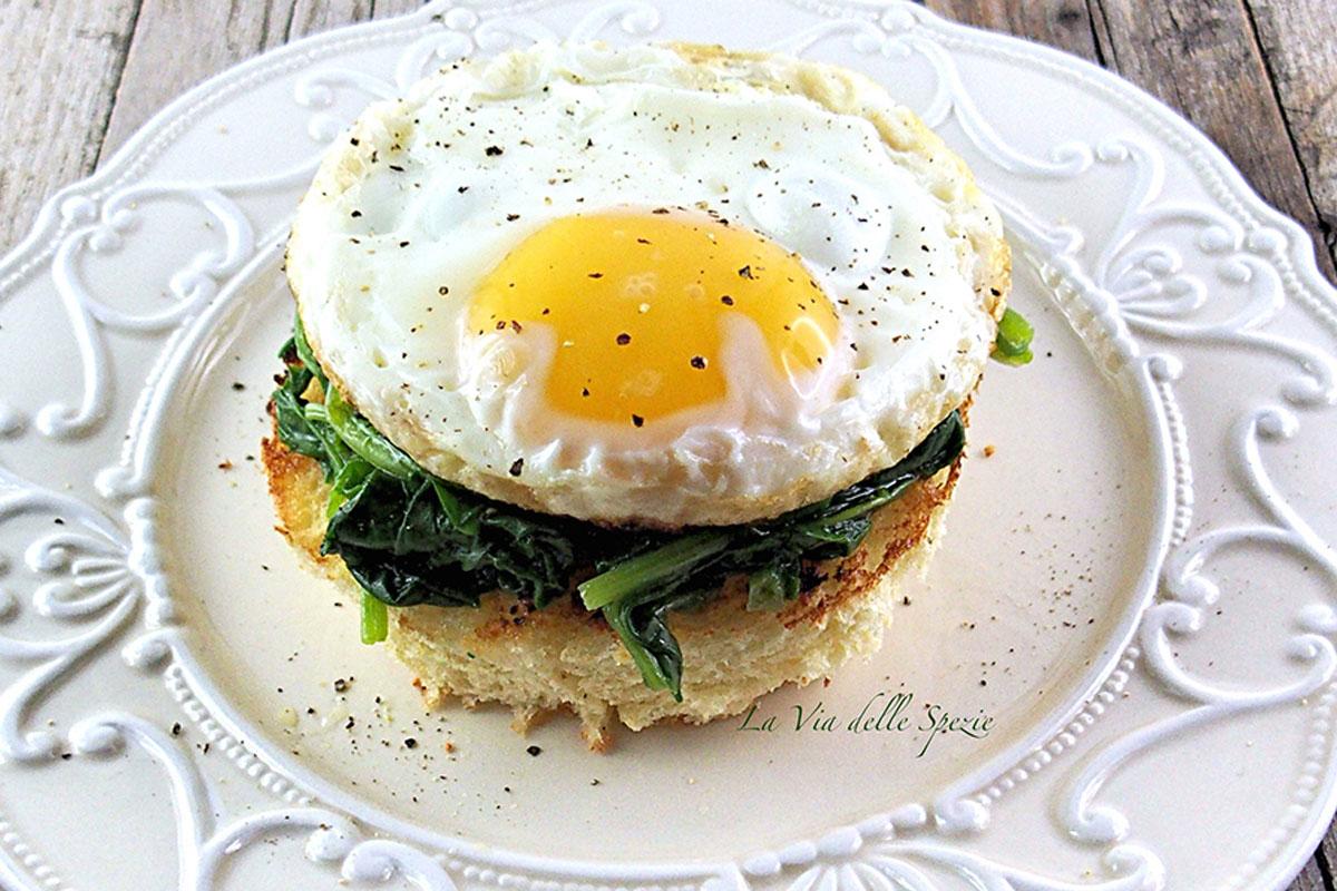 bruschette con spinaci e uova