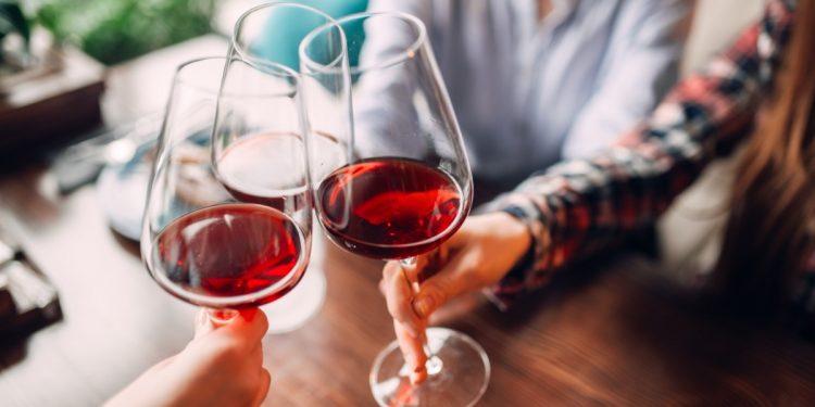vino-rosso-amico-intestino