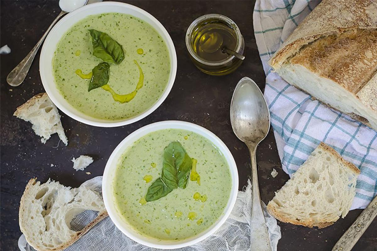 Zuppe fredde: crema di lattuga