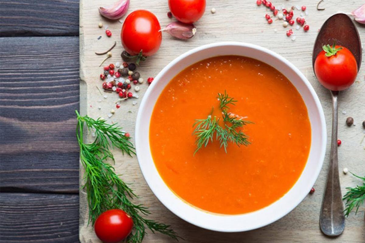 Zuppe fredde: crema di pomodori